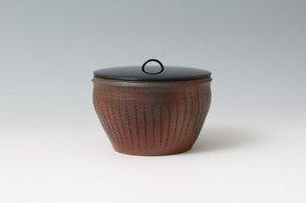 30 花の木焼〆波文水指